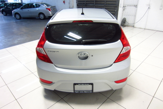 2016 Hyundai Accent 5-Door SE Doral (Miami Area), Florida 4
