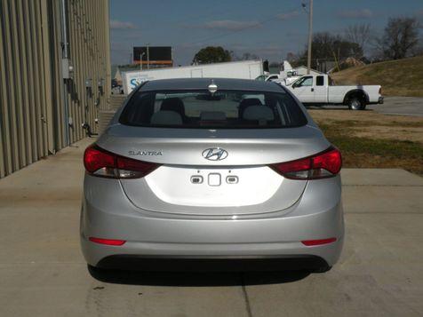 2016 Hyundai Elantra SE   Jackson, TN   American Motors of Jackson in Jackson, TN