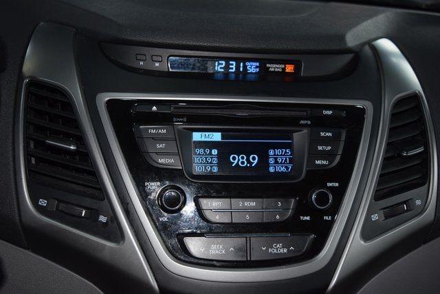 2016 Hyundai Elantra SE Richmond Hill, New York 24