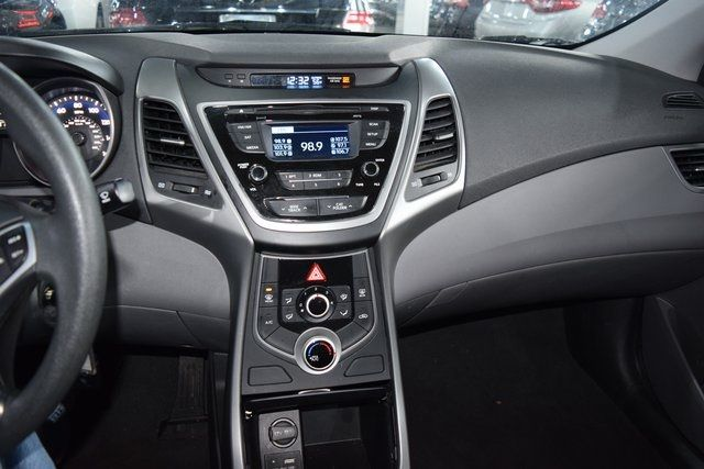 2016 Hyundai Elantra SE Richmond Hill, New York 29