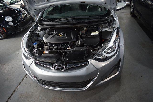 2016 Hyundai Elantra SE Richmond Hill, New York 3