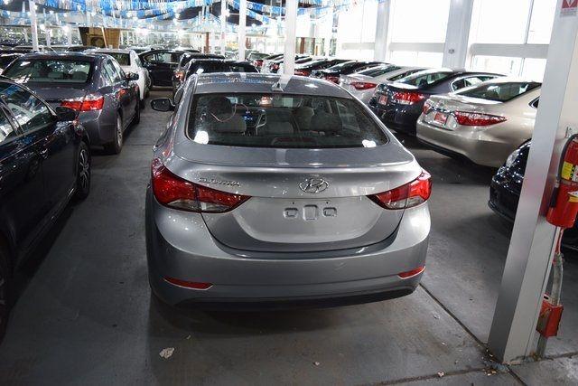 2016 Hyundai Elantra SE Richmond Hill, New York 8