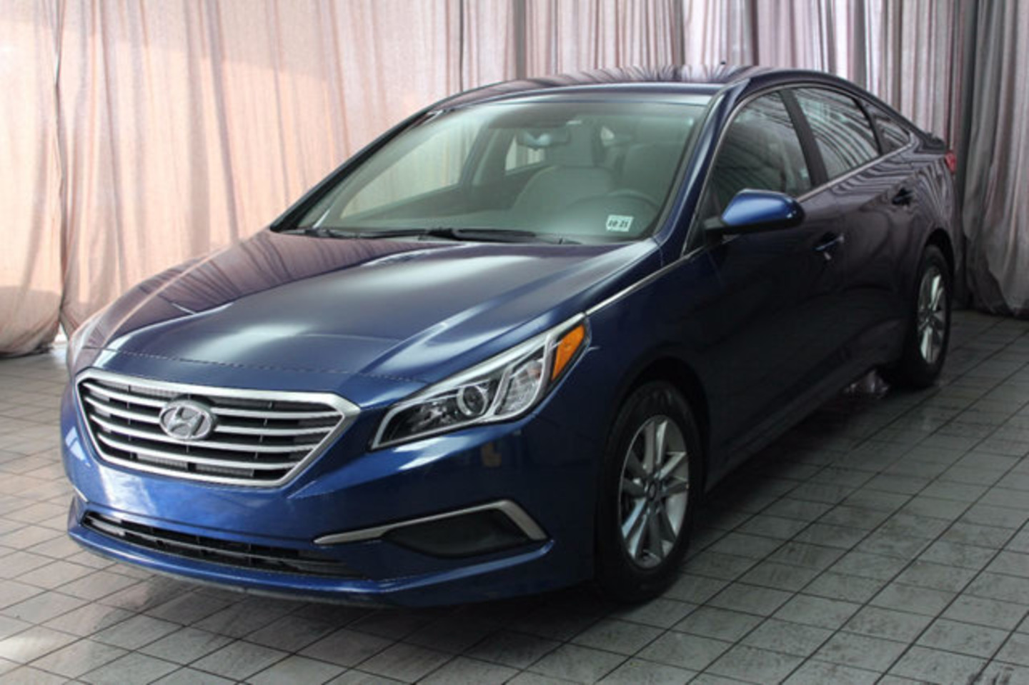 2016 hyundai sonata 4dr sedan 24l se city oh north coast auto mall of akron. Black Bedroom Furniture Sets. Home Design Ideas