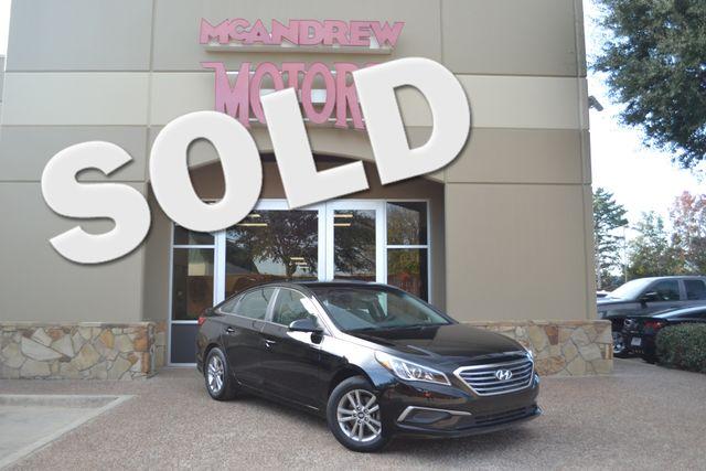 2016 Hyundai Sonata 2.4L SE | Arlington, Texas | McAndrew Motors in Arlington Texas