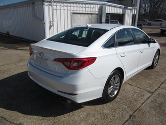 2016 Hyundai Sonata 2.4L SE Houston, Mississippi 4