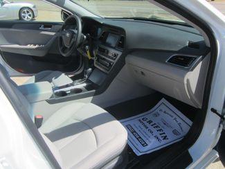 2016 Hyundai Sonata 2.4L SE Houston, Mississippi 8