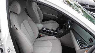2016 Hyundai Sonata Hybrid SE East Haven, CT 7
