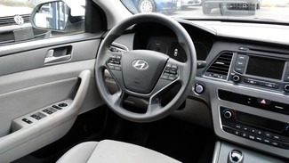 2016 Hyundai Sonata Hybrid SE East Haven, CT 8