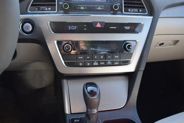 2016 Hyundai Sonata Hybrid SE Richmond Hill, New York 39