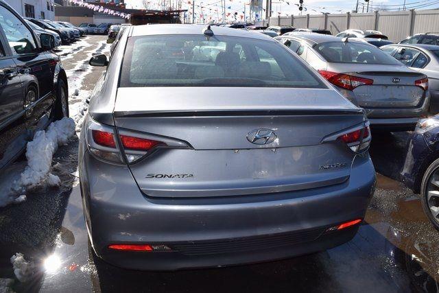 2016 Hyundai Sonata Hybrid SE Richmond Hill, New York 4