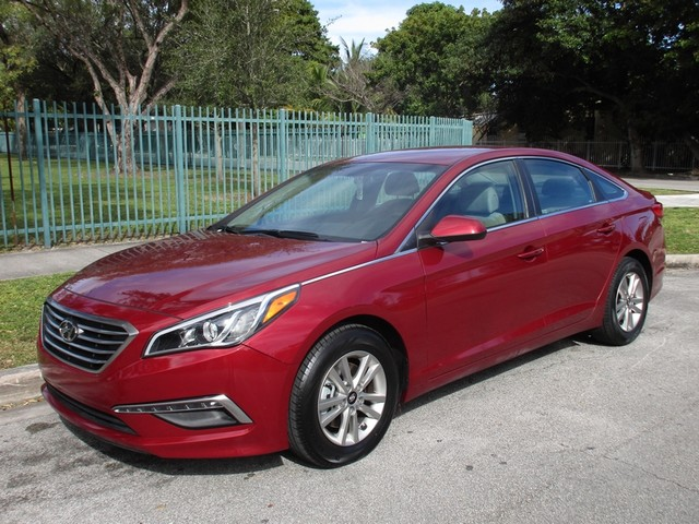 2016 Hyundai Sonata 24L SE Come and visit us at oceanautosalescom for our expanded inventoryThi