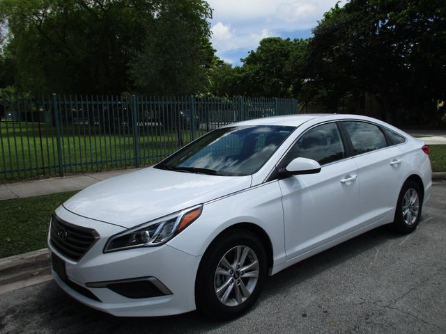 2016 Hyundai Sonata 24L SE Come and visit us at oceanautosalescom for our ex
