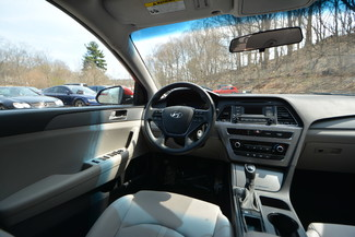 2016 Hyundai Sonata 2.4L SE Naugatuck, Connecticut 15