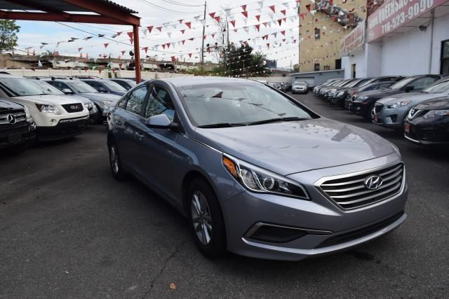 2016 Hyundai Sonata 2.4L Richmond Hill, New York 1