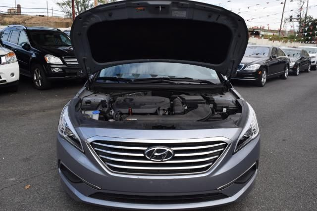 2016 Hyundai Sonata 2.4L Richmond Hill, New York 3