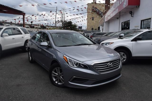 2016 Hyundai Sonata 2.4L Richmond Hill, New York 1