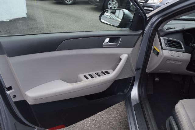 2016 Hyundai Sonata 2.4L Richmond Hill, New York 11