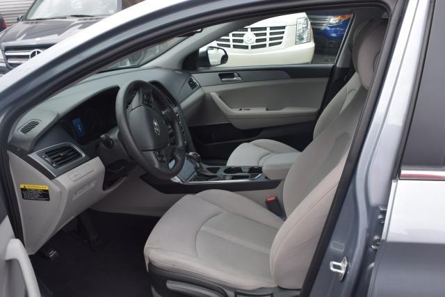 2016 Hyundai Sonata 2.4L Richmond Hill, New York 12