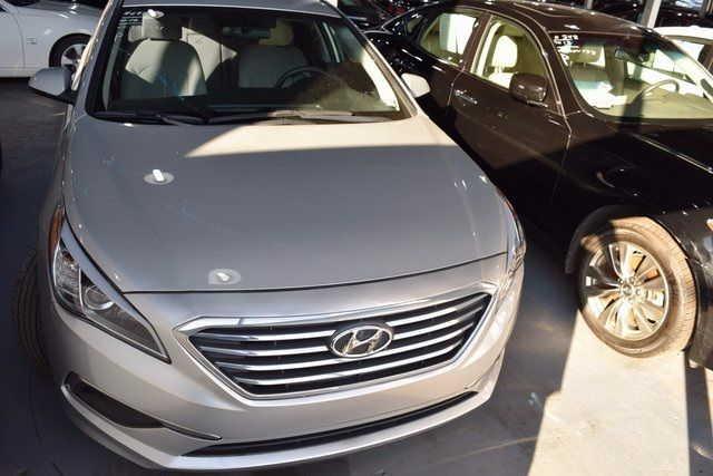 2016 Hyundai Sonata 2.4L SE Richmond Hill, New York 2