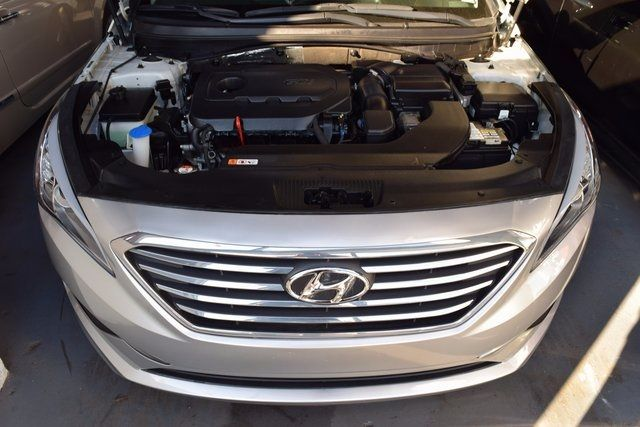 2016 Hyundai Sonata 2.4L SE Richmond Hill, New York 3