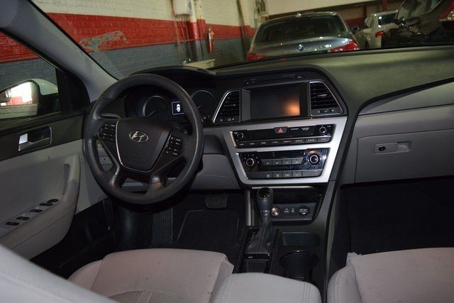 2016 Hyundai Sonata 2.4L SE Richmond Hill, New York 14
