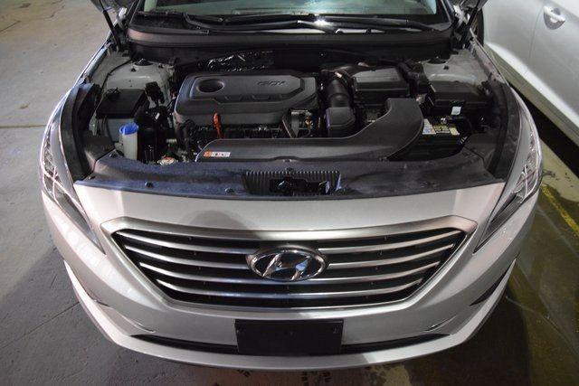 2016 Hyundai Sonata 2.4L SE Richmond Hill, New York 3