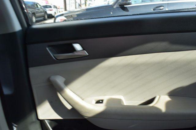 2016 Hyundai Sonata 2.4L SE Richmond Hill, New York 10