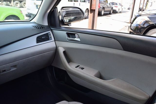 2016 Hyundai Sonata 2.4L SE Richmond Hill, New York 11