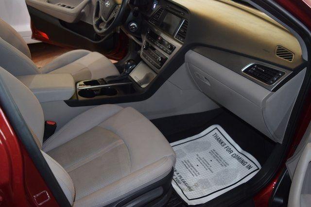 2016 Hyundai Sonata 2.4L SE Richmond Hill, New York 23