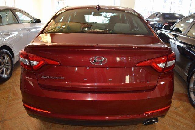 2016 Hyundai Sonata 2.4L SE Richmond Hill, New York 4
