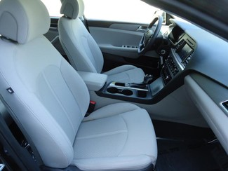 2016 Hyundai Sonata SE. CAMERA. SPOILER. ALLOY. PANDORA. WIFI. XM Tampa, Florida 16