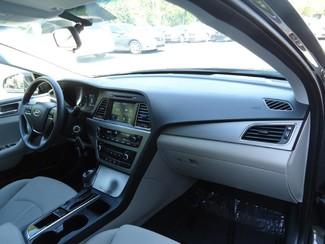 2016 Hyundai Sonata SE. CAMERA. SPOILER. ALLOY. PANDORA. WIFI. XM Tampa, Florida 17