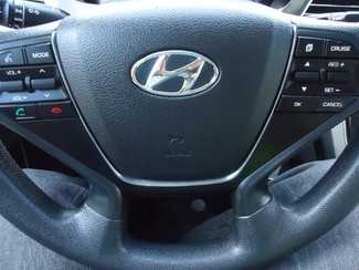 2016 Hyundai Sonata SE. CAMERA. SPOILER. ALLOY. PANDORA. WIFI. XM SEFFNER, Florida 27