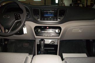 2016 Hyundai Tucson AWD SE Bentleyville, Pennsylvania 3