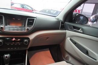 2016 Hyundai Tucson SE W/ BACK UP CAM Chicago, Illinois 19