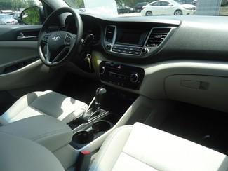 2016 Hyundai Tucson SE. BACK UP CAMERA. ALLOY. PWR SEAT SEFFNER, Florida 18