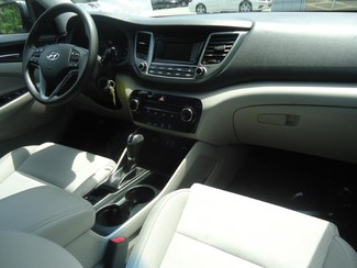 2016 Hyundai Tucson SE. BACK UP CAMERA. ALLOY. PWR SEAT SEFFNER, Florida 3