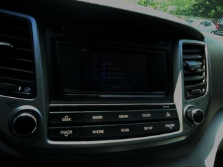2016 Hyundai Tucson SE. BACK UP CAMERA. ALLOY. PWR SEAT SEFFNER, Florida 42