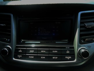 2016 Hyundai Tucson SE. BACK UP CAMERA. ALLOY. PWR SEAT SEFFNER, Florida 43