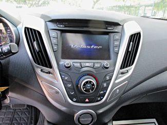 2016 Hyundai Veloster Miami, Florida 9