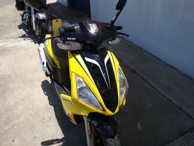 2016 Italica A9    150cc scooter Daytona Beach, FL 3