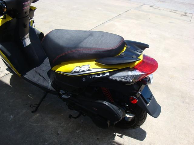 2016 Italica A9    150cc scooter Daytona Beach, FL 5
