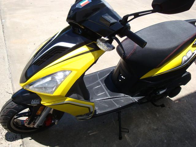 2016 Italica A9    150cc scooter Daytona Beach, FL 6