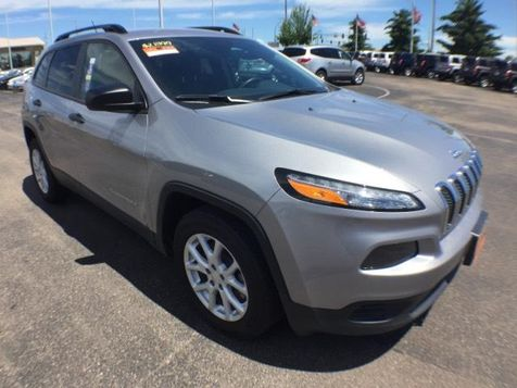 2016 Jeep Cherokee Sport in Victoria, MN