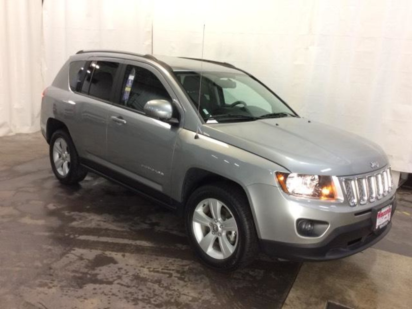 2016 jeep compass latitude. Black Bedroom Furniture Sets. Home Design Ideas
