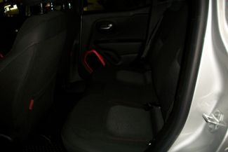 2016 Jeep Renegade 4X4 Trailhawk Bentleyville, Pennsylvania 38