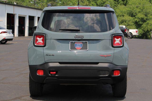 2016 Jeep Renegade Trailhawk 4WD - TOMAHAWK PKG - NAV - SUNROOF! Mooresville , NC 18