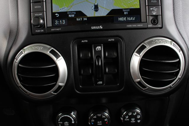 2016 Jeep Wrangler Unlimited Rubicon 4X4 - NAVIGATION - HEATED LEATHER! Mooresville , NC 33