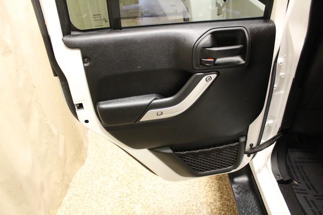 2016 Jeep Wrangler Unlimited Sahara Roscoe, Illinois 31
