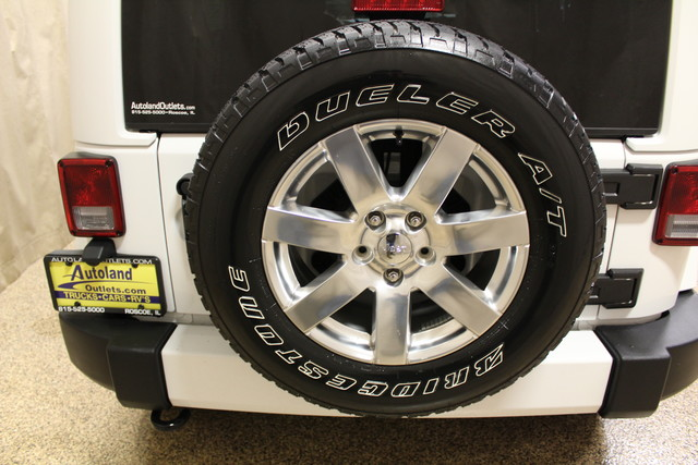 2016 Jeep Wrangler Unlimited Sahara Roscoe, Illinois 34